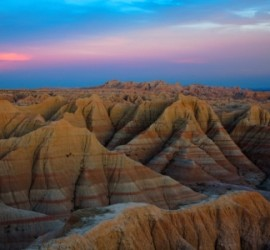 Badlands_National_Park_South_Dakota_md